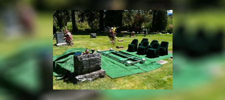 Traditional graveside set up
